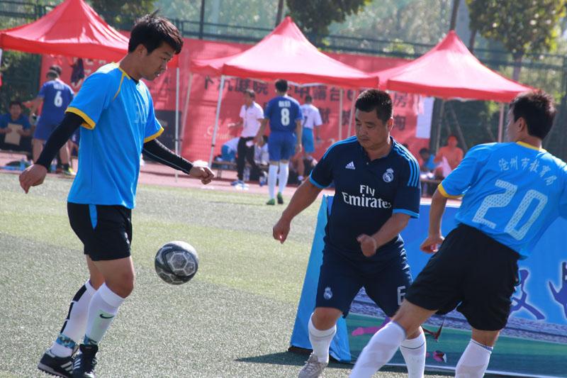 沧州职院教工足球队在市级比赛中取得优异成绩