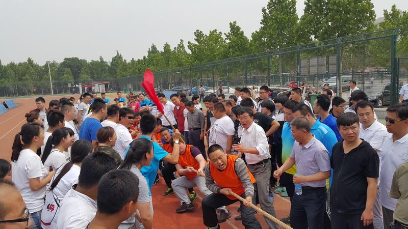 我院参加沧州市第三届百队千人拔河比赛载誉归来